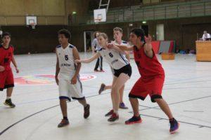 U16 - Fuad Hagjovig fordert den Ball