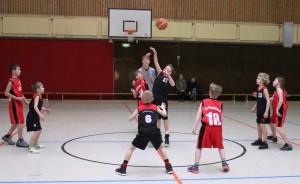 25.02.2017 / Spielbericht U10 / Jump – Spielbeginn – Ebstorf in schwarzen Trikots