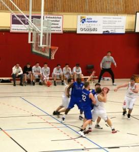 WE 25.03.2017 / Spielbericht Heimspiel Heide Knights / Coach Leo Niebuhr fiebert am Rand mit