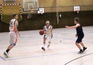 WE 19.11.2016 / Vorbericht Herren II / Spielertrainer Fuad Salim in Aktion