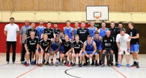 WE 11.08.2018 / Bericht Black Owls vs. Heide Knights / Mannschaftsfoto Handball+Basketball