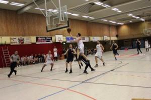WE 21.01.2017 / Spielbericht Heide Knights / Benjamin Bormann mit vollem Einsatz zum Korberfolg