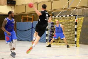 WE 11.08.2018 / Bericht Black Owls vs. Heide Knights / Keine Chance für die Basketballer der Heide Knights